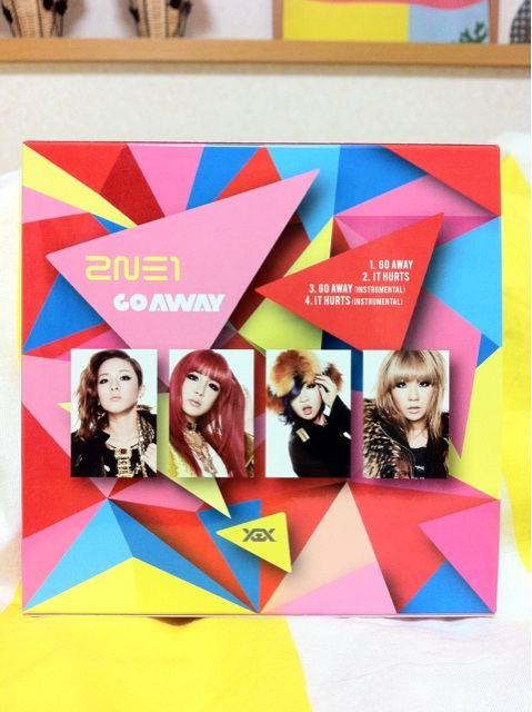 [Scans] 2NE1 Go Away Single Japan CD Hf9cb